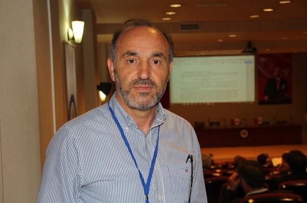 """Matematiğin geleceği Kütahya'da tartışılıyor DPÜ Fen Edebiyat Fakültesi Matematik Bölüm Başkanlığı tarafından organize edilen etkinlikler 3 gün boyunca devam edecek Prof. Dr. İsmail Ekincioğlu: """"Konferanslara 15 ülkeden 60 konuşmacı katılacak"""""""