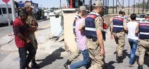 Suriye uyruklu kadını öldüren zanlılar adliyeye sevk edildi