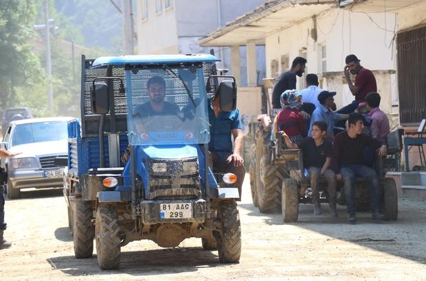 Düzce'de sel felaketinin yaraları sarılıyor Selden etkilenen vatandaşlar, normal hayata dönmeye çalışıyor