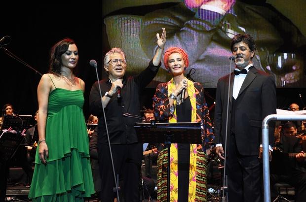Zülfü Livaneli konserine ünlüler akın etti Livaneli sahnesinde sürpriz isim Sıla