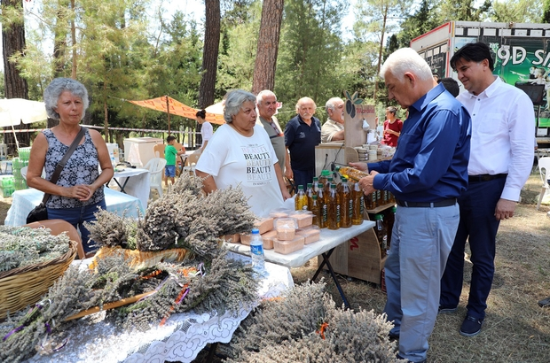 """Başkan Gürün; """"Üreten köylü milletin efendisi olacak"""" Muğla'nın Fethiye ilçesi İncirköy Mahallesinde 'İncirköy tıbbi aromatik bitkiler' şenliği düzenlendi."""