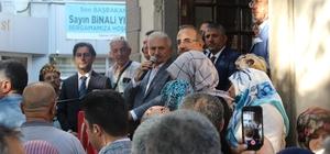 """Binali Yıldırım Bergama'da Binali Yıldırım: """"Eğer size 'İzmir-İstanbul 2 saat 50 dakika olacak' deselerdi inanır mıydınız? 'Ya sayı saymayı bilmiyorsun ya da sopa yemedin' derdiniz"""""""