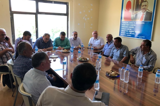 AK Parti milletvekilleri Açıkgöz ve Menekşe köy muhtarları ile bir araya geldi