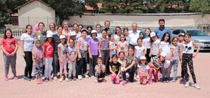 Başkan Akkaya Genç KOMEK Yaz Okullarını ziyaret etti