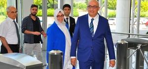 Manisa CBÜ Rektörlüğüne atanan Prof. Dr. Ahmet Ataç göreve başladı Eski Rektör Prof. Dr. Çelebi'nin törende yer almaması dikkat çekti