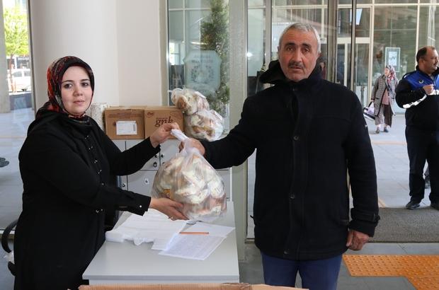 Çölyaklı vatandaşların ekmeği Akhisar Belediyesinden Akhisar Belediyesi Çölyaklı vatandaşlara sahip çıkıyor