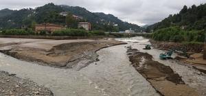 Rize'de selde kaybolan şahsı arama çalışmaları 3. gününde devam ediyor HES baraj gölünde arama başlatıldı