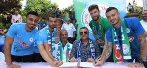 Çaykur Rizespor'da 4 imza birden Çaykur Rizespor'da Boldrin, Barış, Tarık ve Erdinç için imza töreni düzenlendi