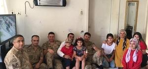 Jandarmadan şehit piyade er Özcan'ın ailesine bayram ziyareti
