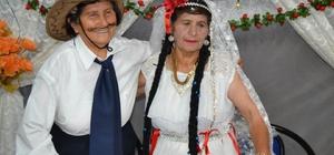 Manisa'da imece usulü kısır düğünü Sepetli motosiklet gelin arabası oldu Mahalleli kısır düğünü ile eğlendi Kadınların gelenek hale getirdiği kısır düğününün damadı da kadın