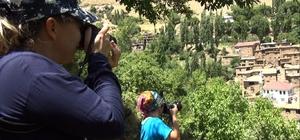 (Özel) Hizan, fotoğraf turizmiyle de ziyaretçilerini ağırlıyor Harika doğası ve taş evleriyle Hizan, her yıl yüzlerce fotoğrafçıyı ağırlıyor