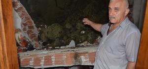 10 kişilik aile ölümden döndü Evde otururlarken duvar üzerilerine yıkıldı Ordu'da aşırı yağış sonrası bir evin duvar yıkıldı, içeride oturan aile neye uğradığını şaşırdı