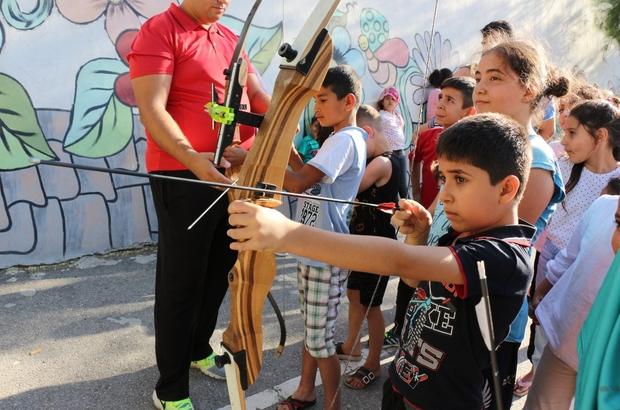 Manisa'da okul bahçeleri spor panayırına döndü