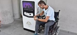 Akhisar'da engellilere büyük kolaylık Şarj istasyonları engelli vatandaşların imdadına yetişti