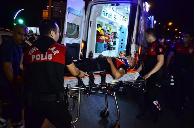 Adana'da otomobil ile motosikletli yunus ekibi çarpıştı: 1 polis yaralandı ile ilgili görsel sonucu