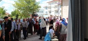 Kuyruğun sonu gelmedi Yenipazar Belediye Başkanı kutsal topraklardan döndü, sevenleri uzun  kuyruk oluşturdu