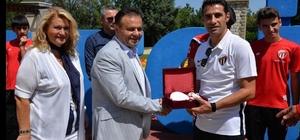 İnegölspor U-15 takımına Bilecik'in tarihi yerlerini gezdi