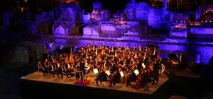 Efes Antik Kentinde unutulmaz festival