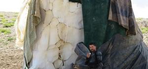 Kışın toplayıp sakladıkları karları Ağustos ayında satıyorlar Yüksek kesimlerde saklanan karlar pazar esnafının geçim kaynağı oluyor Antalyalı vatandaşlar Eylül ayı başında dağlarda kar tüketti