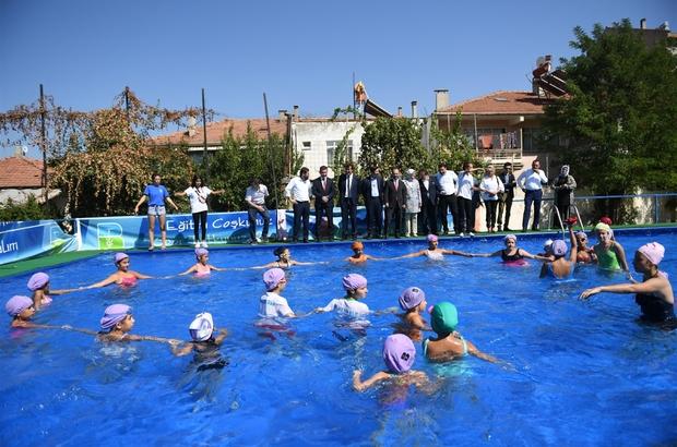 Balıkesir Büyükşehir 15 bin çocuğa yüzme eğitimi verdi Balıkesir'de 15 bin çocuk yüzmeyi öğrendi