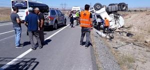 Sivas'ta akaryakıt tankeri devrildi: 1 yaralı