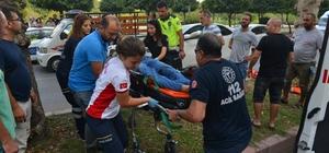 Otomobil altındaki kazazede, kriko yardımı ile kurtarıldı Adana'da kadın sürücünün çarptığı elektrikli bisiklette bulunan bir kişi fırlayıp karşı yönde giden otomobilin altında kaldı. Kazazede şahıs, yol oto tamircileri tarafından kriko yardımıyla aracın altından çıkarılarak kurtarıldı Kazada otomobilin altında kalan şahıs ağır yaralanırken, kadını sürücü ve elektrikli bisiklette bulunan diğer şahıs da yaralandı