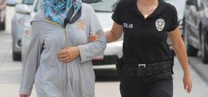 FETÖ'nün hücre evinde yakalanan kadın tutuklandı Adana'da FETÖ'nün hücre evinde yakalanan öğretmenlikten ihraç edilmiş kadın tutuklandı