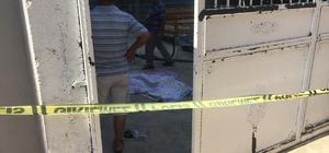 Damdan düşen yaşlı kadın öldü Adana'da salça bulunan dama çıkan yaşlı kadın düşerek hayatını kaybetti