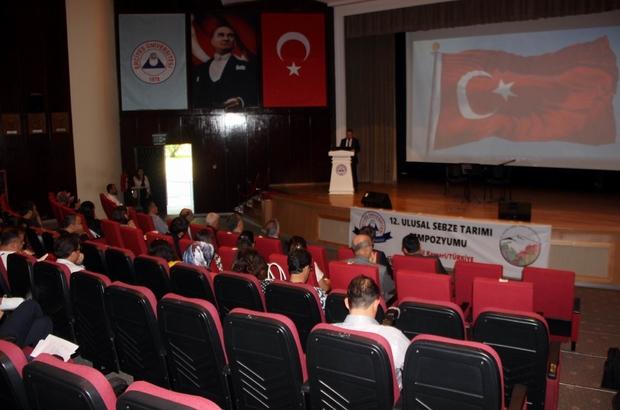 """12. Ulusal Sebze Tarımı Sempozyumu yapıldı Tarım ve Orman İl Müdürü Mustafa Şahin: """"Tarım ve Orman Müdürlüğü olarak üniversitelerimize yapacakları çalışmalarda destek vereceğiz"""""""