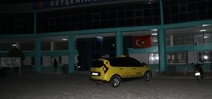 Taksici meslektaşını silahla yaraladı Konya'nın Beyşehir ilçe otogarında yaşanan olay güvenlik kamerasına yansıdı