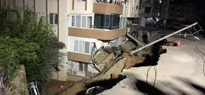 İzmir'de facianın eşiğinden dönüldü İstinat duvarı çöktü, apartman boşaltıldı