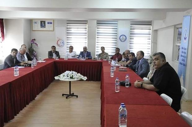Gürün'de Halk Eğitim Planlama ve İşbirliği Toplantısı Sivas'ın Gürün ilçesinde Hayat Boyu Öğrenme Halk Eğitimi Planlama ve İşbirliği Komisyonu Toplantısı yapıldı.