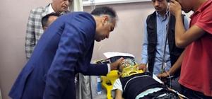 Vali Çağatay kazada yaralananları hastanede ziyaret etti Kazada hayatını kaybedenlerin, İstanbul'dan taziye ziyareti için Hizan'a geldikleri belirtildi