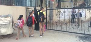 Sokak kapandı okul bahçesi oldu Yol okul bahçesi oldu