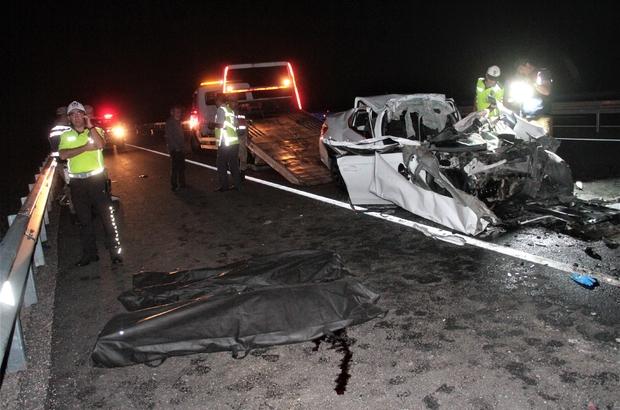 Elazığ'da feci kaza: 2 ölü Kamyona arkadan çarpan otomobil hurdaya döndü: 2 ölü