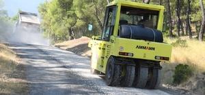 Konyaaltı'nda asfalt çalışmaları devam ediyor