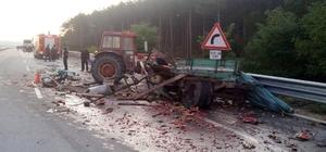 Yolcu otobüsü ile karpuz yüklü traktör çarpıştı: 2 yaralı