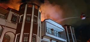 Kastamonu'da 3 katlı konak yandı Konakta çıkan yangını meraklı vatandaşlar böyle izledi