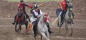 Sivas'taki atlı cirit müsabakaları sona erdi