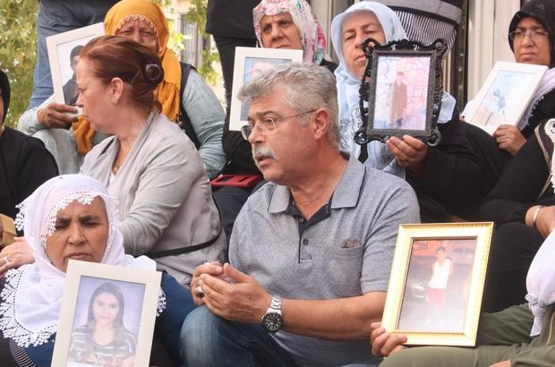 Bombalı saldırıda oğlunu kaybetmişti, HDP önünde eylem yapan ailelere destek ziyaretinde bulundu