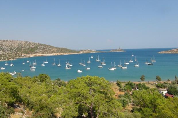 Yat rallicileri Silifke'de 43 yelkenli, Türkiye sahillerinin güzelliklerine dikkat çekmek için 45 günlük tura çıktılar