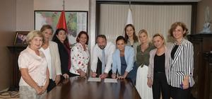 """""""Kadın Dostu Kent"""" Çiğli Çiğli Belediyesi """"Kadın Dostu Kentler Taahhütnamesi""""ni imzaladı"""