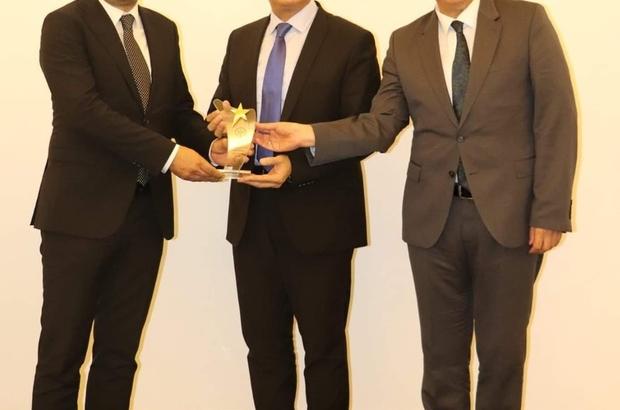 Anadolu Üniversitesi Açıköğretim Sistemi'ne ödül Açıköğretim Sistemi, Engelsiz Bilişim Ödülü'ne layık görüldü