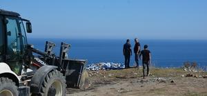 Belediye temizlik ekipleri, Adabaşı'ndaki çöpleri temizledi