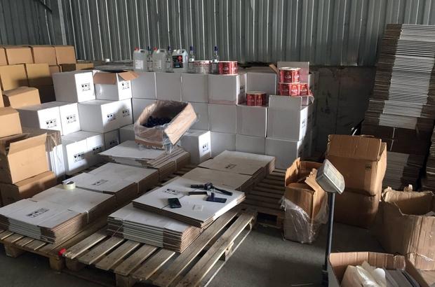 Besi çiftliği hangarında dev kaçak alkol ve tütün operasyonu Operasyonda çok sayıda malzeme ele geçirilirken toplam 5 kişi gözaltına alındı