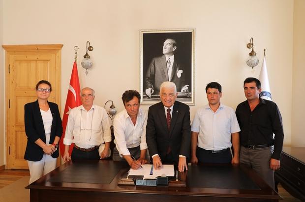 İmzalar Kırsal Kalkınma için atıldı Muğla Büyükşehir Belediyesi kırsal kalkınma çalışmaları kapsamında Kavaklıdere Ortaköy Tarımsal Kalkınma Kooperatifi ile işbirliği anlaşması imzaladı.