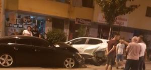 Kontrolden çıkan otomobil 11 araca birden çarptı 12 aracın karıştığı kazada 2 kişi yaralandı