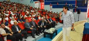 Ahmet Selçuk İlkan öğrencilerle buluştu