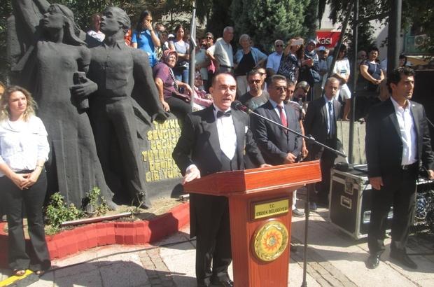 Erdek'te Atatürk'ün benzerine büyük ilgi