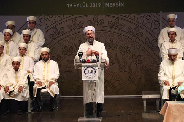 """Erbaş: """"İslam, barış, huzur, kurtuluş ve denge demektir"""" Diyanet İşler Başkanı Ali Erbaş, hafızlık programına katıldı """"Dünyanın dengesi bozulmasın diye Kur'an'ın ayetleri Rabbimiz tarafından bütün insanlığa gönderilmiştir"""" """"Bütün dengesi bozulmuş olan dünyanın yeniden dengeye gelmesi de bizim elimizdedir"""""""